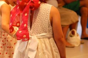 Chota Péro Kinderkleid mit Spitze
